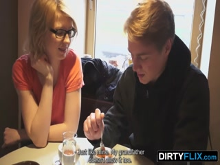Русское порно видео о том как зрелая блон