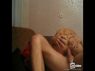 Порно видео с русской шлюшкой и ее клиентом - мужиком в машине такси
